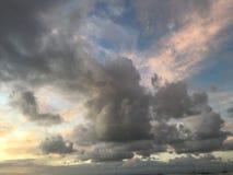Πορφυρό ηλιοβασίλεμα στον κόλπο Hanalei Kauai στο νησί στη Χαβάη Στοκ φωτογραφίες με δικαίωμα ελεύθερης χρήσης