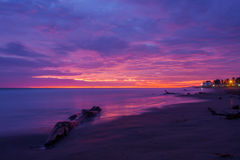 Πορφυρό ηλιοβασίλεμα σε Playas, Ισημερινός Στοκ Φωτογραφία