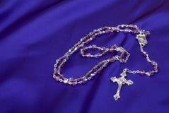 πορφυρό rosary ανασκόπησης Στοκ Φωτογραφίες
