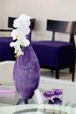 πορφυρό vase λουλουδιών στοκ εικόνες