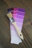 πορφύρα παλετών χρώματος βουρτσών Στοκ εικόνες με δικαίωμα ελεύθερης χρήσης
