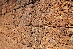 Πορώδης βράχος τοίχων Στοκ φωτογραφία με δικαίωμα ελεύθερης χρήσης