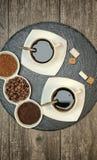 Ποτά, κατανάλωση, ενέργεια και έννοια καφεΐνης στοκ εικόνες