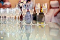 Ποτήρια του κοκτέιλ σαμπάνιας Στοκ φωτογραφία με δικαίωμα ελεύθερης χρήσης