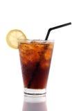 Ποτήρι της κόλας, φέτα του λεμονιού, που απομονώνεται στο λευκό Στοκ εικόνες με δικαίωμα ελεύθερης χρήσης