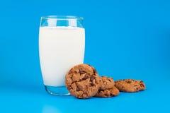 Ποτήρι του γάλακτος στοκ εικόνα με δικαίωμα ελεύθερης χρήσης