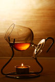 Ποτήρι του καυτού κονιάκ στοκ εικόνες με δικαίωμα ελεύθερης χρήσης