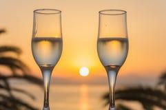 Ποτήρι του κρασιού στην ανατολή εν πλω στοκ φωτογραφίες με δικαίωμα ελεύθερης χρήσης