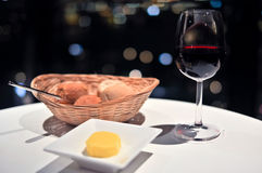 Ποτήρι του κόκκινου κρασιού στοκ φωτογραφία με δικαίωμα ελεύθερης χρήσης