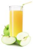Ποτήρι του χυμού της Apple που απομονώνεται στο άσπρο υπόβαθρο Στοκ εικόνα με δικαίωμα ελεύθερης χρήσης