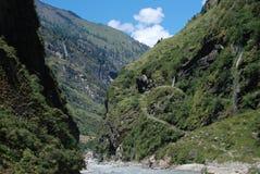 ποταμοί του Νεπάλ βουνών annap Στοκ Εικόνα