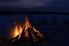 ποταμός ακτών φωτιών Στοκ φωτογραφία με δικαίωμα ελεύθερης χρήσης