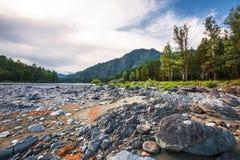 ποταμός Αυγούστου altai του 2006 katun Βουνό Altai, νότια Σιβηρία, Ρωσία στοκ εικόνες με δικαίωμα ελεύθερης χρήσης