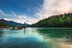ποταμός Αυγούστου altai του 2006 katun Βουνό Altai, νότια Σιβηρία, Ρωσία στοκ εικόνα με δικαίωμα ελεύθερης χρήσης