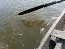 ποταμός βαρκών πηγαίνοντας κάτω στοκ εικόνες με δικαίωμα ελεύθερης χρήσης