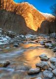 ποταμός βουνών ορών στοκ φωτογραφία με δικαίωμα ελεύθερης χρήσης