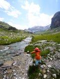 ποταμός βουνών παιδιών Στοκ Εικόνες