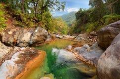 Ποταμός βουνών στα Ιμαλάια. Uttarakhand Στοκ φωτογραφία με δικαίωμα ελεύθερης χρήσης