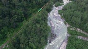 Ποταμός βουνών στην Αλάσκα απόθεμα βίντεο