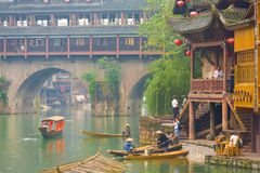 Ποταμός γεφυρών Huangsi Pheonix Hong Fenghuang Στοκ φωτογραφίες με δικαίωμα ελεύθερης χρήσης