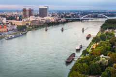Ποταμός Δούναβη στη Μπρατισλάβα, Σλοβακία στοκ εικόνες