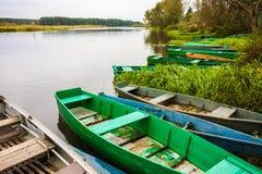Ποταμός και βάρκα Στοκ Φωτογραφίες