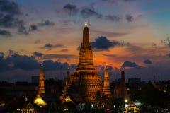 Ποταμός και ναός Wat Arun τη νύχτα στη Μπανγκόκ Ταϊλάνδη Στοκ φωτογραφίες με δικαίωμα ελεύθερης χρήσης