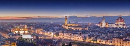 Ποταμός και Ponte Vecchio στο ηλιοβασίλεμα, Φλωρεντία Arno Στοκ φωτογραφίες με δικαίωμα ελεύθερης χρήσης