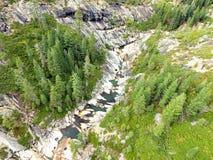 Ποταμός με τον καταρράκτη Στοκ Φωτογραφία