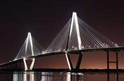 ποταμός νύχτας βαρελοποιών γεφυρών Στοκ Φωτογραφίες