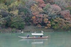 ποταμός ομορφιάς στο arashiyama Κιότο Ιαπωνία στοκ φωτογραφία με δικαίωμα ελεύθερης χρήσης