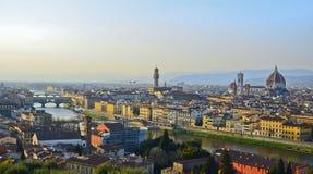 Ποταμός Παναγία del Fiore και Arno της Φλωρεντίας Στοκ εικόνες με δικαίωμα ελεύθερης χρήσης