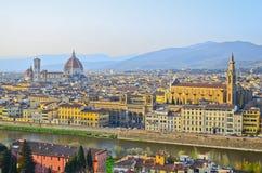 Ποταμός Παναγία del Fiore και Arno της Φλωρεντίας Στοκ φωτογραφίες με δικαίωμα ελεύθερης χρήσης