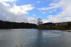Ποταμός που πλημμυρίζουν την άνοιξη Στοκ εικόνα με δικαίωμα ελεύθερης χρήσης