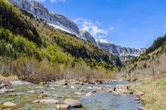 Ποταμός που ρέει στην κοιλάδα Ordesa, Αραγονία, Ισπανία Στοκ Φωτογραφία