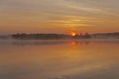 ποταμός πρωινού αλιείας αυγής Στοκ Εικόνες