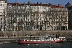 ποταμός Ροδανού φορτηγίδ&ome Στοκ φωτογραφία με δικαίωμα ελεύθερης χρήσης