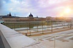 Ποταμός Ροδανού το χειμώνα με τη γέφυρα Wilson Λυών Γαλλία Στοκ φωτογραφίες με δικαίωμα ελεύθερης χρήσης