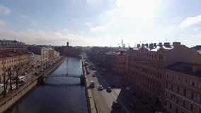 Ποταμός στην Άγιος-Πετρούπολη απόθεμα βίντεο