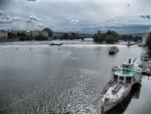 Ποταμός στην Πράγα Στοκ Εικόνες