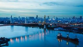 Ποταμός στην πόλη της Μπανγκόκ στοκ εικόνες