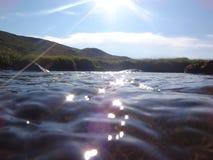 Ποταμός στον ήλιο στοκ εικόνα
