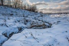 Ποταμός στο λόφο στοκ εικόνες με δικαίωμα ελεύθερης χρήσης