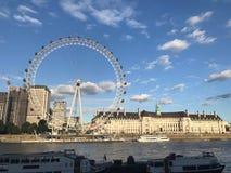 Ποταμός Τάμεσης, Λονδίνο, Ηνωμένο Βασίλειο στοκ εικόνες με δικαίωμα ελεύθερης χρήσης