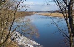 Ποταμός την άνοιξη Στοκ Φωτογραφίες