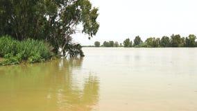 Ποταμός του Γκουανταλκιβίρ, Σεβίλη, Ισπανία 4K απόθεμα βίντεο