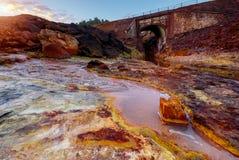 Ποταμός του Ρίο Tinto στην Ισπανία Στοκ εικόνες με δικαίωμα ελεύθερης χρήσης