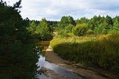 Ποταμός το Σεπτέμβριο Στοκ φωτογραφία με δικαίωμα ελεύθερης χρήσης