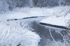 Ποταμός το χειμώνα. Στοκ Εικόνες