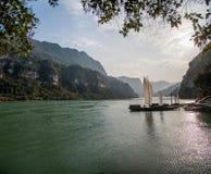 Ποταμός τρία φαράγγια Dengying Gap Yangtze Yiling στο γαλόνι ποταμών φαραγγιών Στοκ φωτογραφία με δικαίωμα ελεύθερης χρήσης